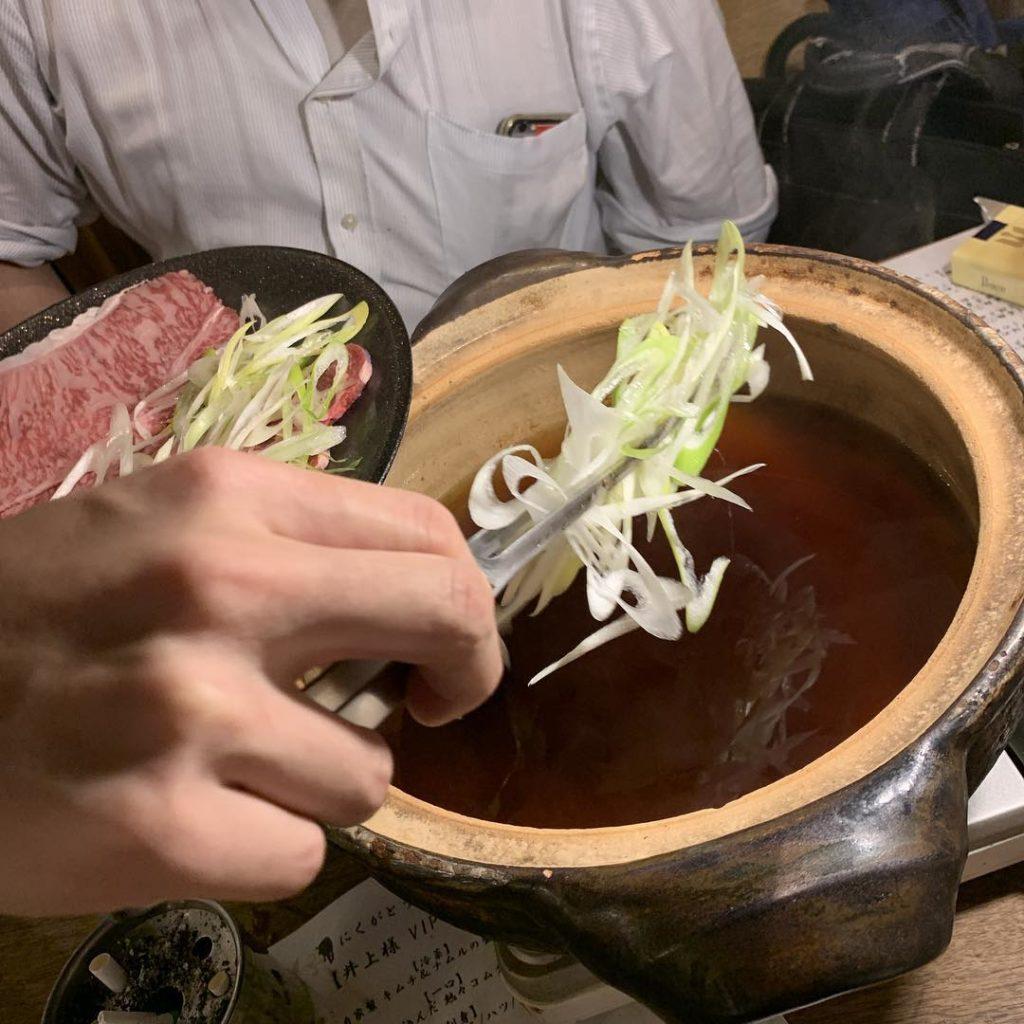 葱とお肉をしゃぶしゃぶ