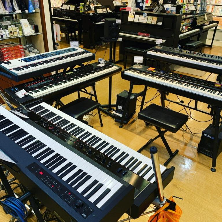 島村楽器さんの鍵盤タッチに近いシンセサイザーコーナー